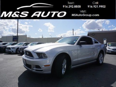 Pre-Owned 2013 Ford Mustang V6 RWD 2dr Car