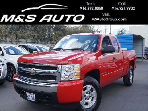 Pre-Owned 2008 Chevrolet Silverado 1500 LT with 1LT