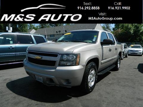 Pre-Owned 2007 Chevrolet Avalanche LS Sport Utility Pickup 4D 5 1/4 ft 4WD