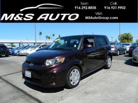 Pre-Owned 2012 Scion xB Hatchback 4D FWD Station Wagon