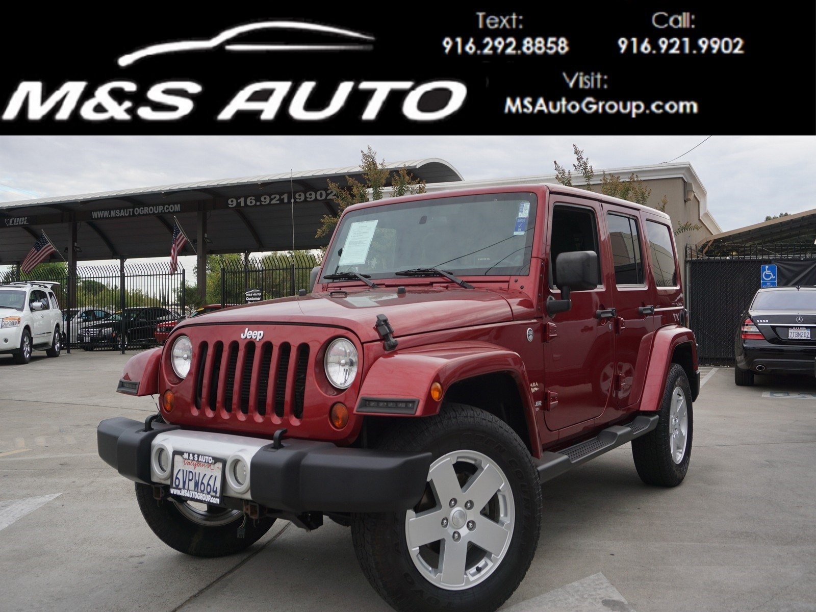 Pre Owned 2012 Jeep Wrangler Unlimited Sahara